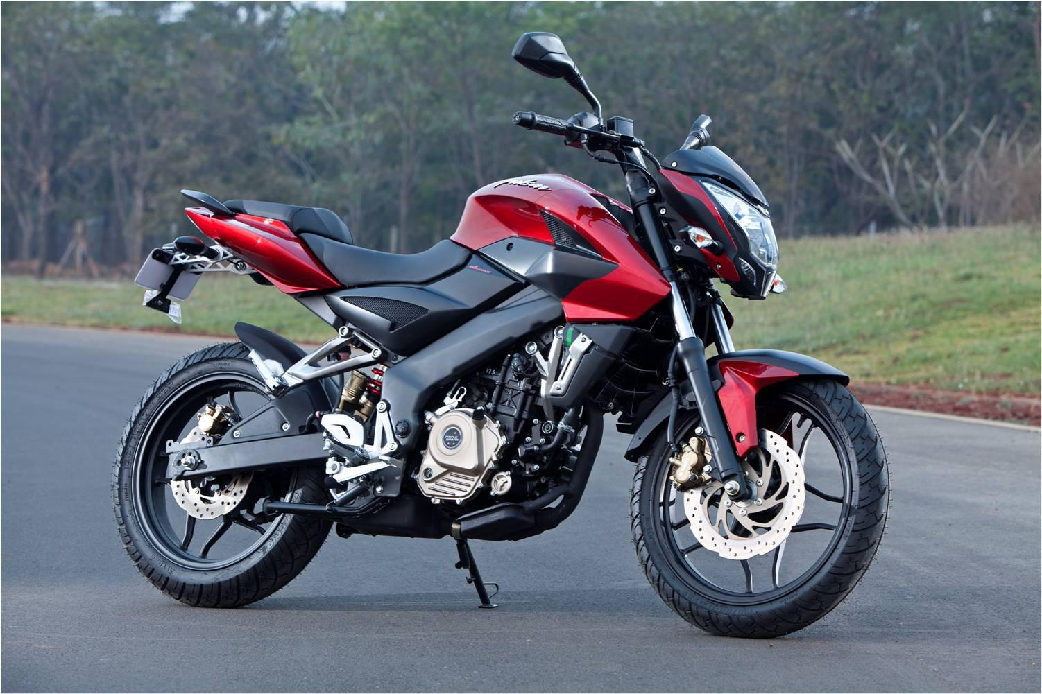 Pulsar 200NS with triple spark technology